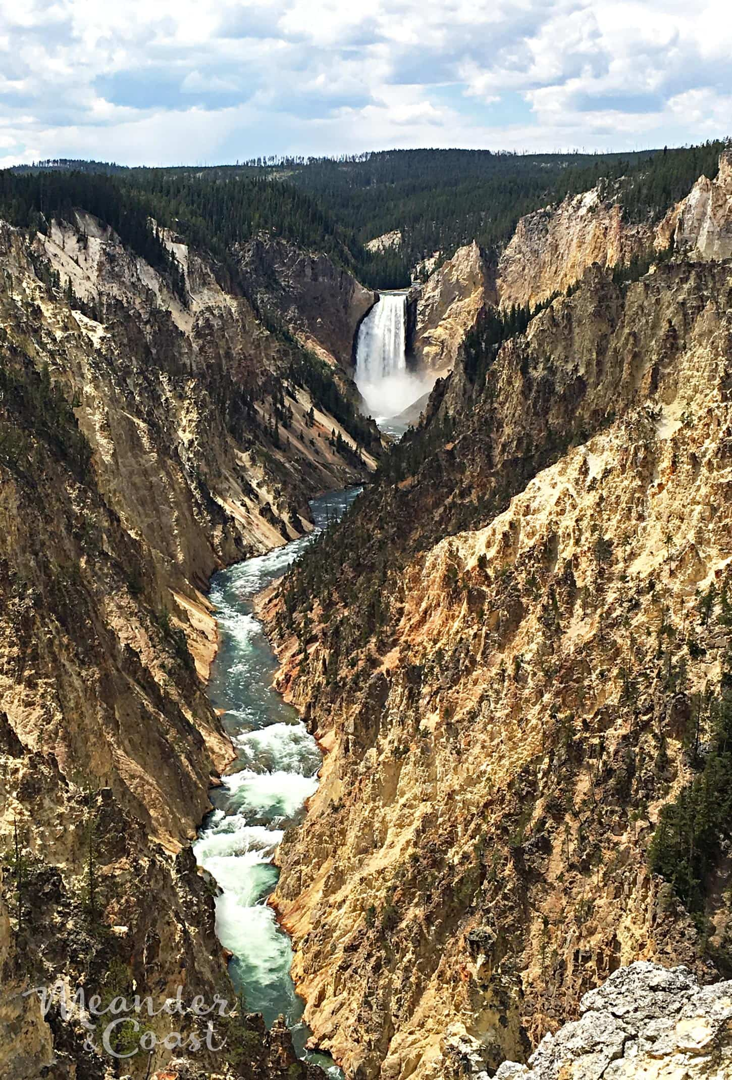 Artist's Point is the most popular place to see the Grand Canyon of the Yellowstone. | Best Yellowstone National Park Attractions that aren't Old Faithful. Meander & Coast #yellowstone #nationalpark #yellowstoneattractions #artistspoint #wyoming #grandcanyon