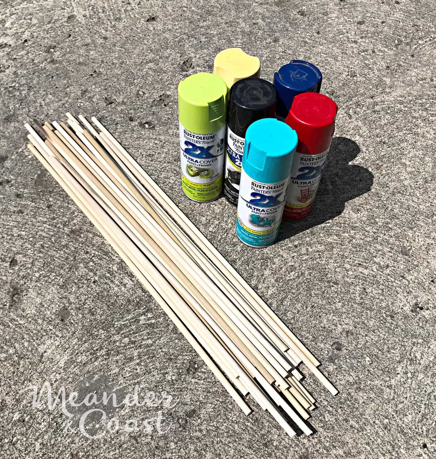 Supplies to make pick up sticks giant outdoor game. Perfect for parties or camping. Quick and easy craft. | Meander & Coast #giantgame #pickupsticks #oversizedgame #giantyardgames #bigyardgame #campinggames